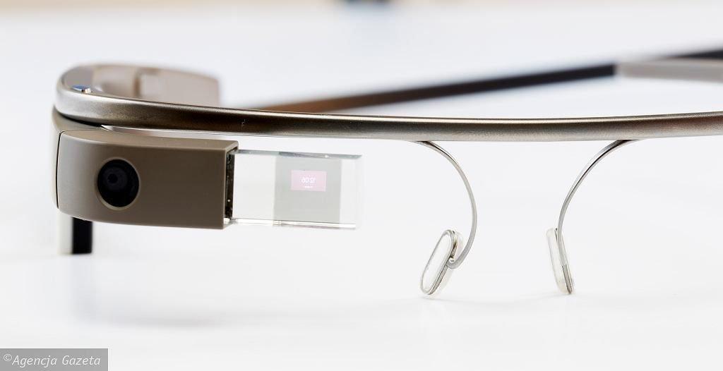 Z14339908ihgoogle Glass