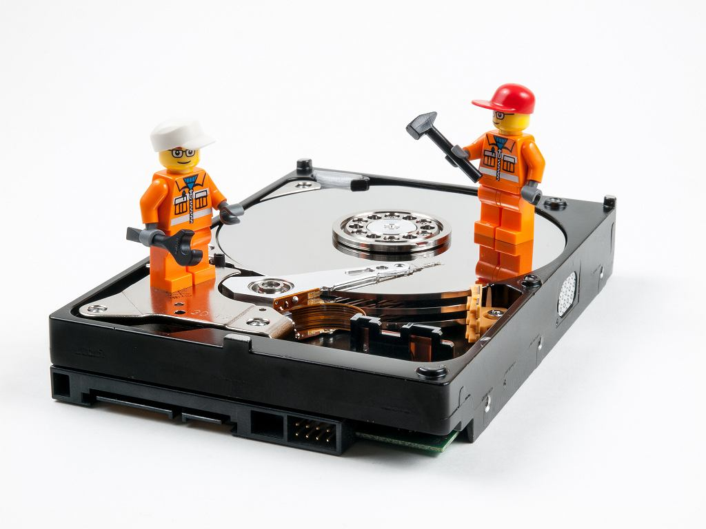 Hard Drive Repair фото William Warby / Flickr / CC BY 2.0