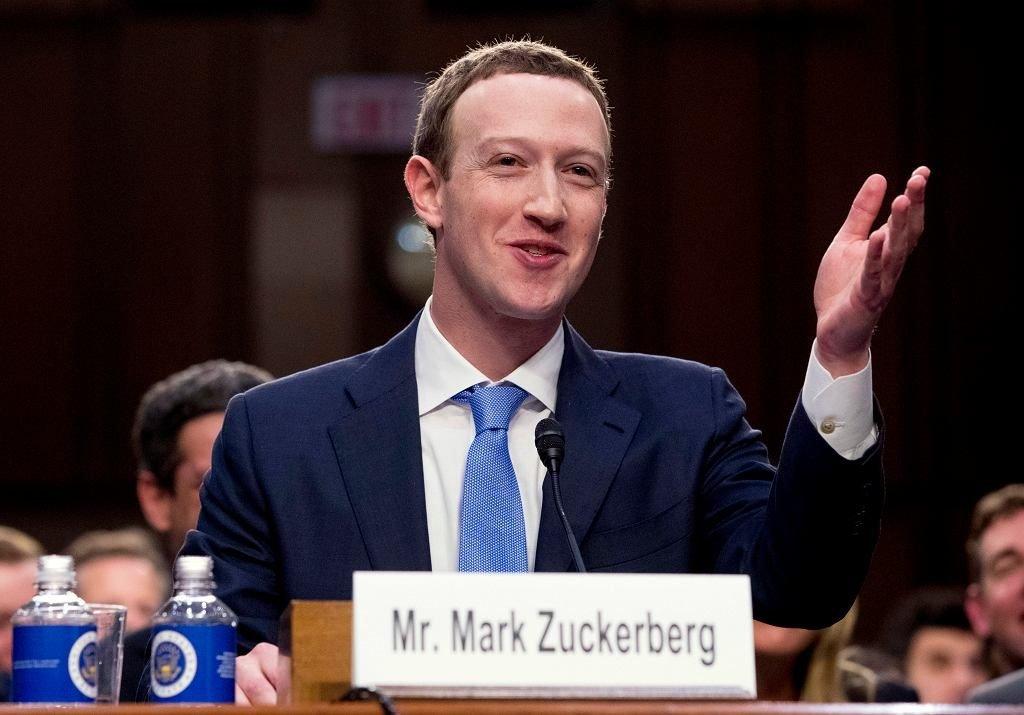 Z23254719ihmark Zuckerberg Podczas Przesluchania W Kapitolu 1