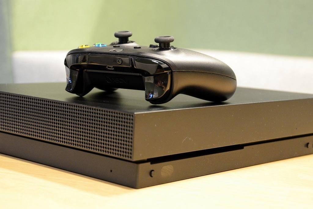 Xbox One X 1