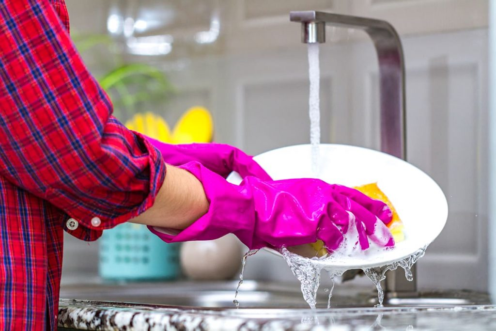 жидкость для мытья посуды
