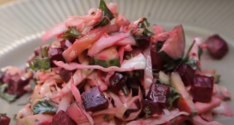 Салат с жареной свеклой