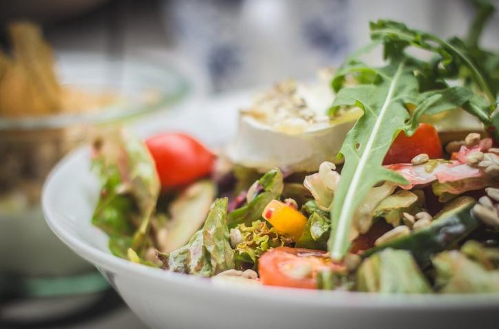 Salat S Tuntsom
