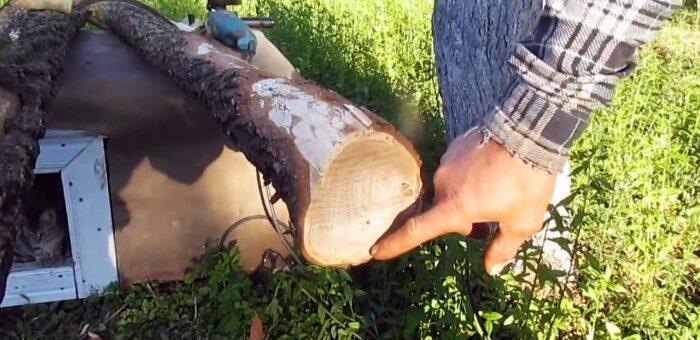 деревянные столбы