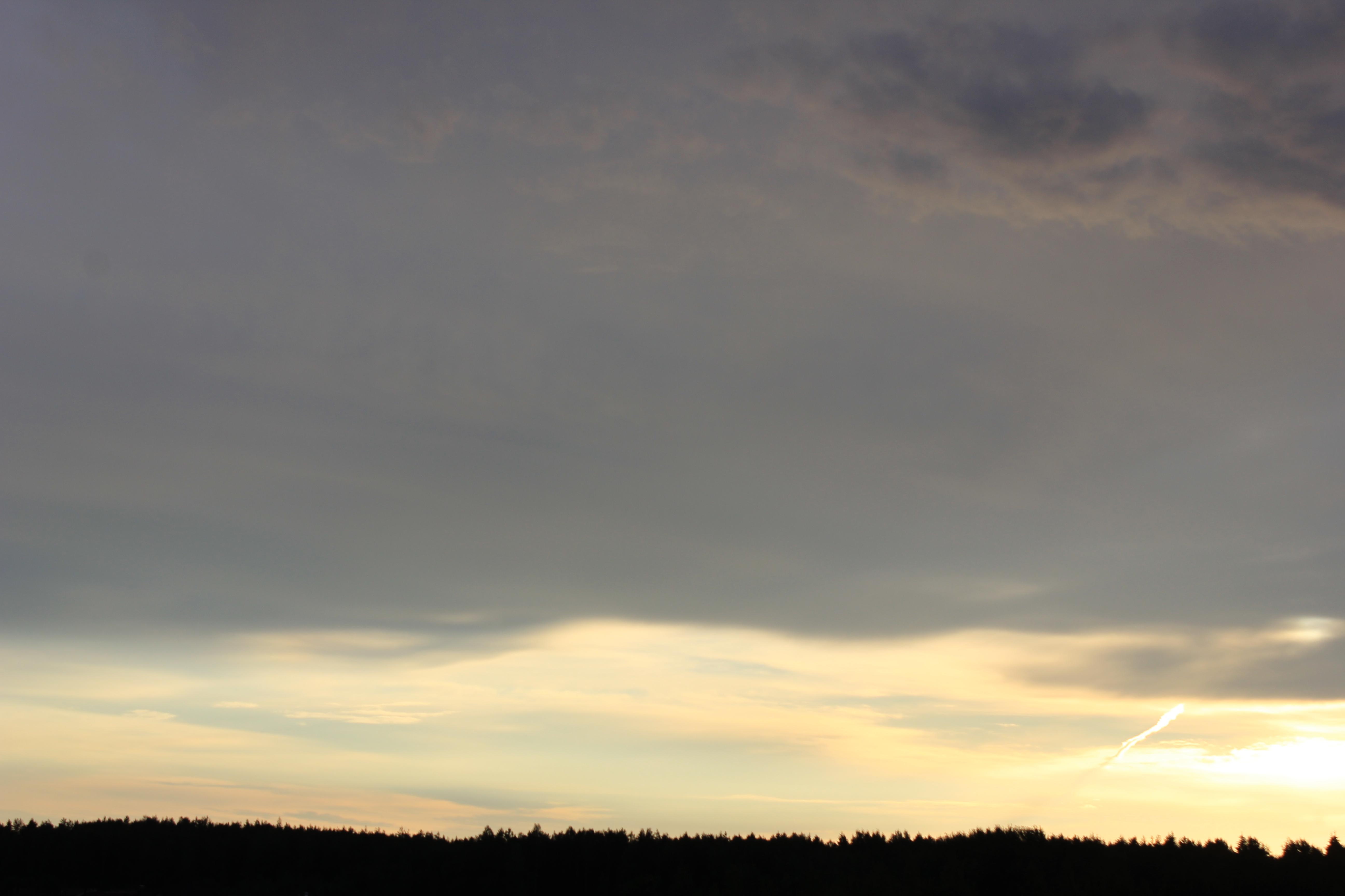 Яркое утреннее небо (1)