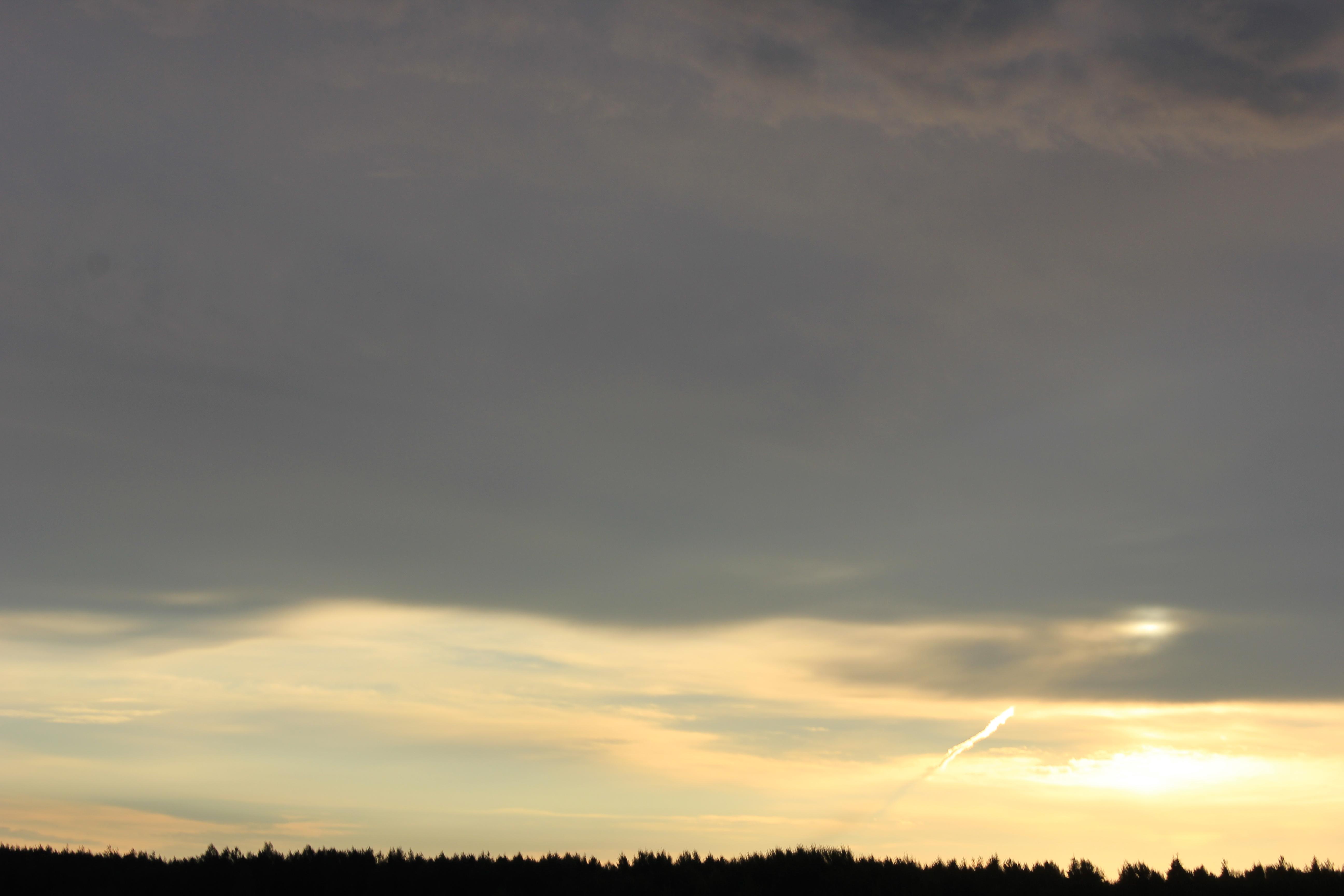 Яркое утреннее небо (117)