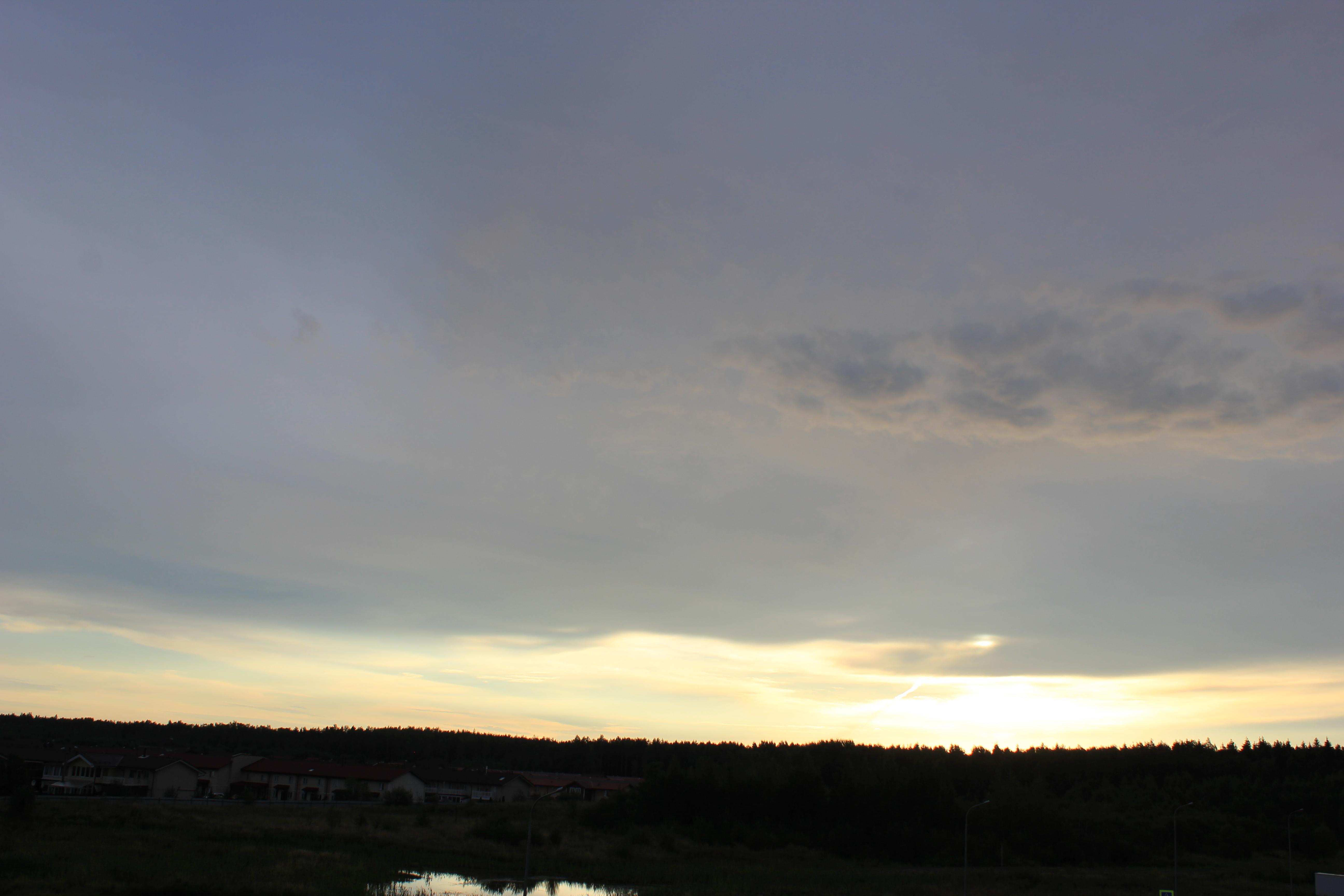 Яркое утреннее небо (118)