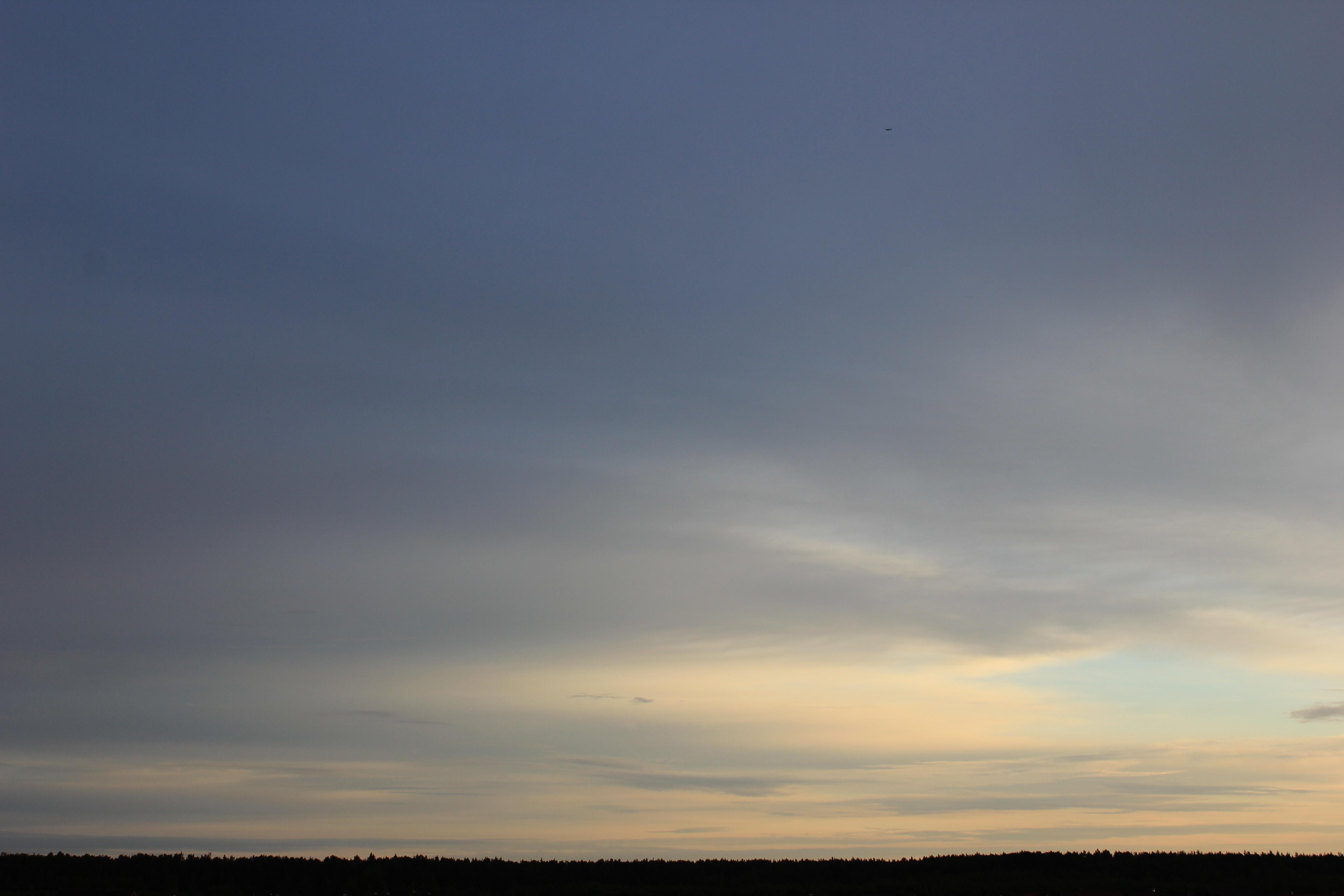 Яркое утреннее небо (33)