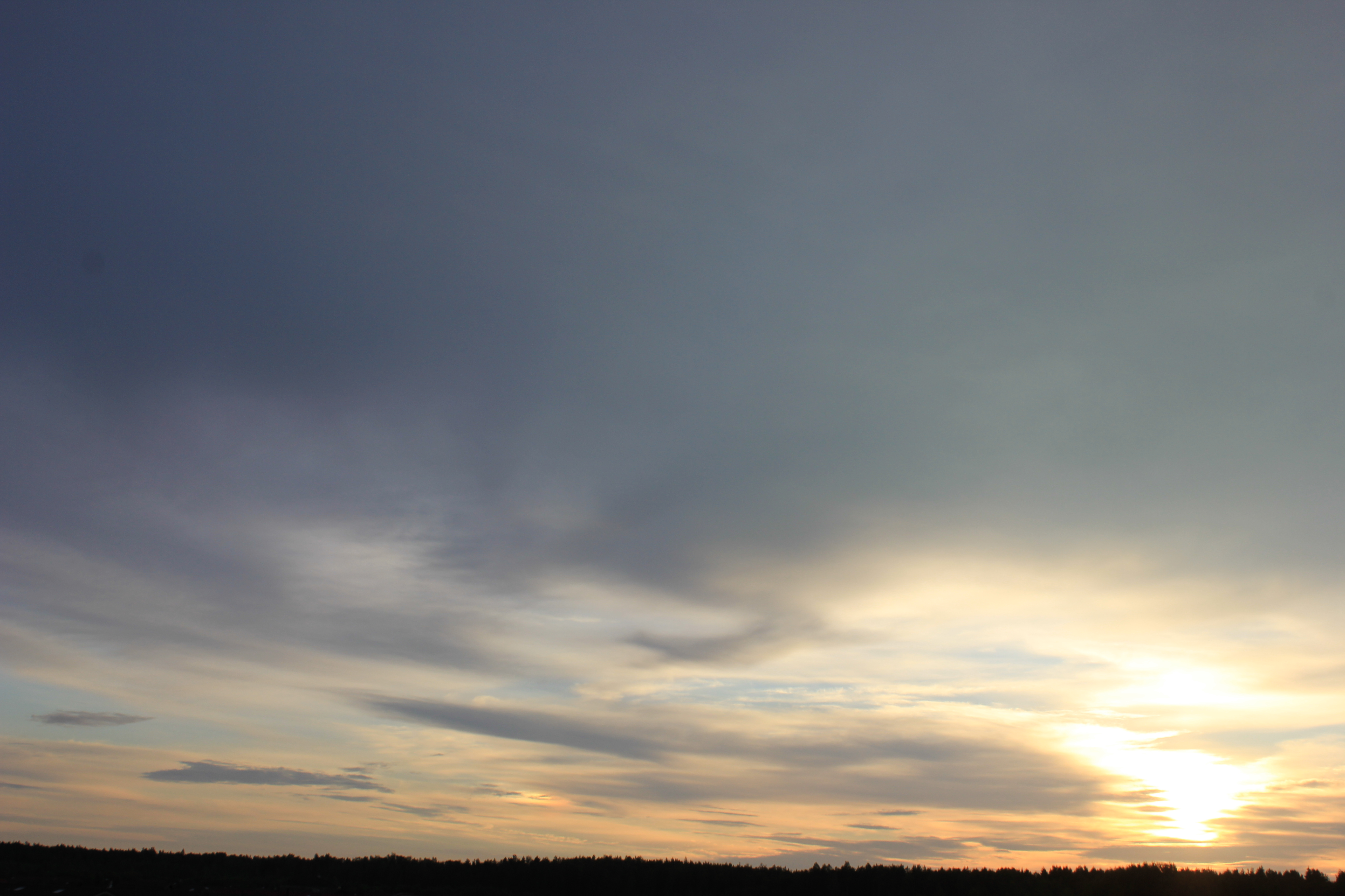 Яркое утреннее небо (44)