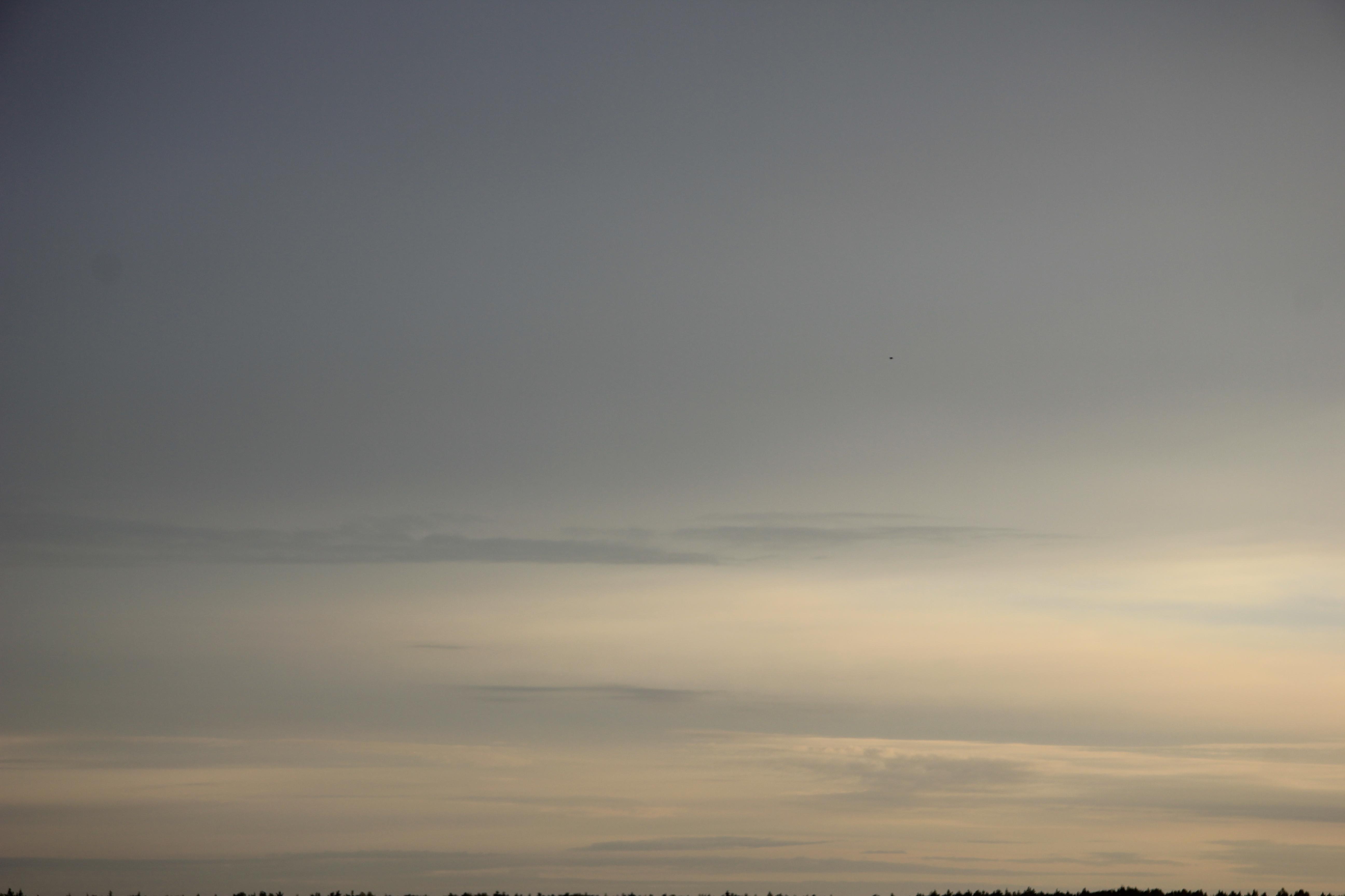 Яркое утреннее небо (71)